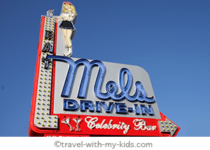 travel-with-kids-los-angeles-mels-drive-in