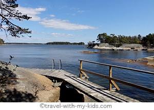 stockholm-with-kids- archipelago-Finnhamn-pontoon