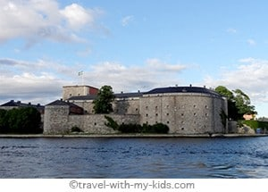 stockholm-with-kids- archipelago - Vaxholm
