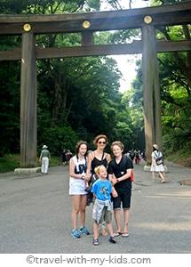 tokyo-with-kids-yoyogi-park