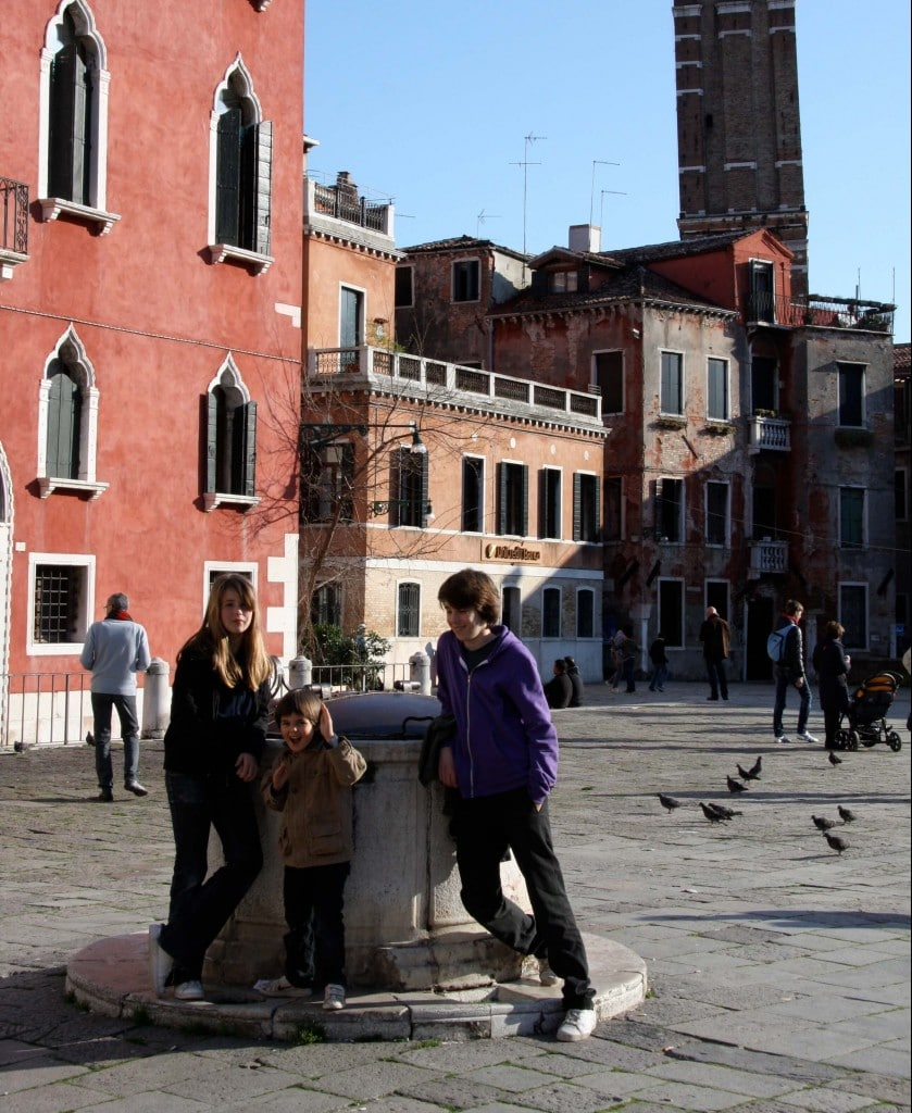 Venice-travel-with-kids-square-cafe