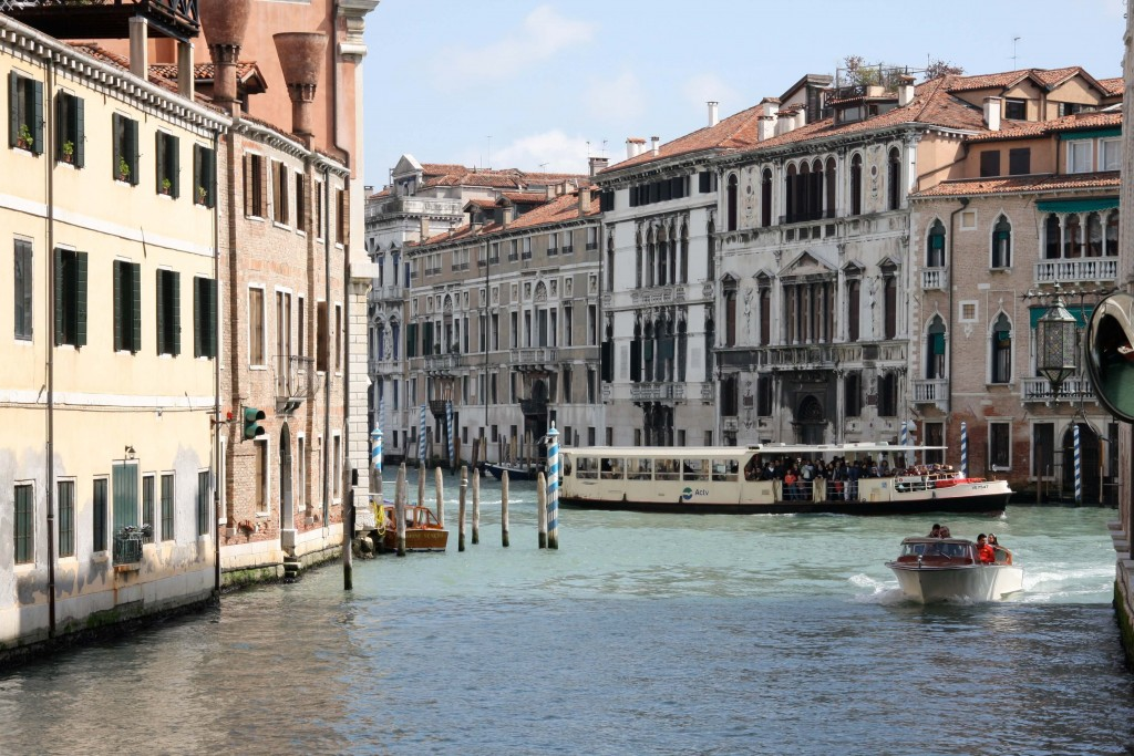 Venice-travel-with-kids-vaporetto