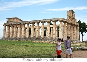 travel-naples-with-kids-paestum-greek-temple