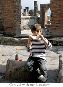 travel-naples-with-kids-pompeii