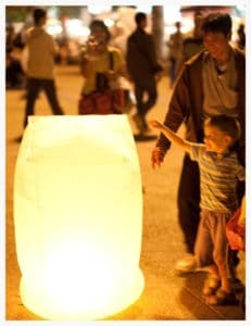 new-years-with-kids-chiang-mai-lantern