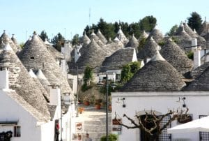 puglia-with-kids-italy-trulli-alberobello