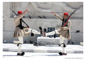 Athens with kids : the guards in Syntagma Square