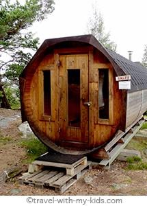 stockholm-with-kids- archipelago-Rögrund - sauna