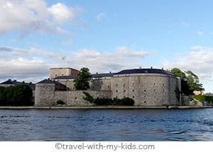 stockholm-with-kids- archipelago - Vaxholm