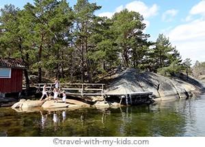 stockholm-with-kids- archipelago-sauna-Finnhamn