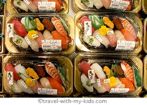 tokyo-with-kids-lunch-sushi