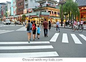 tokyo-with-kids-street
