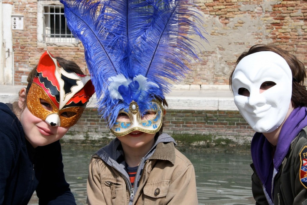 Venice-travel-with-kids-carnival-mask