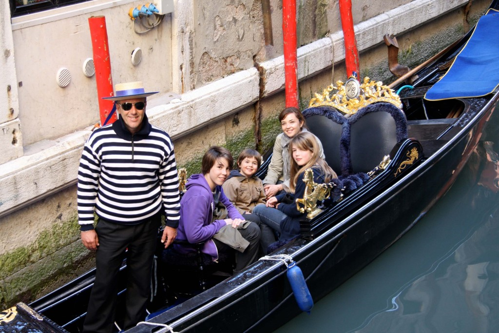 Venice-travel-with-kids-gondola