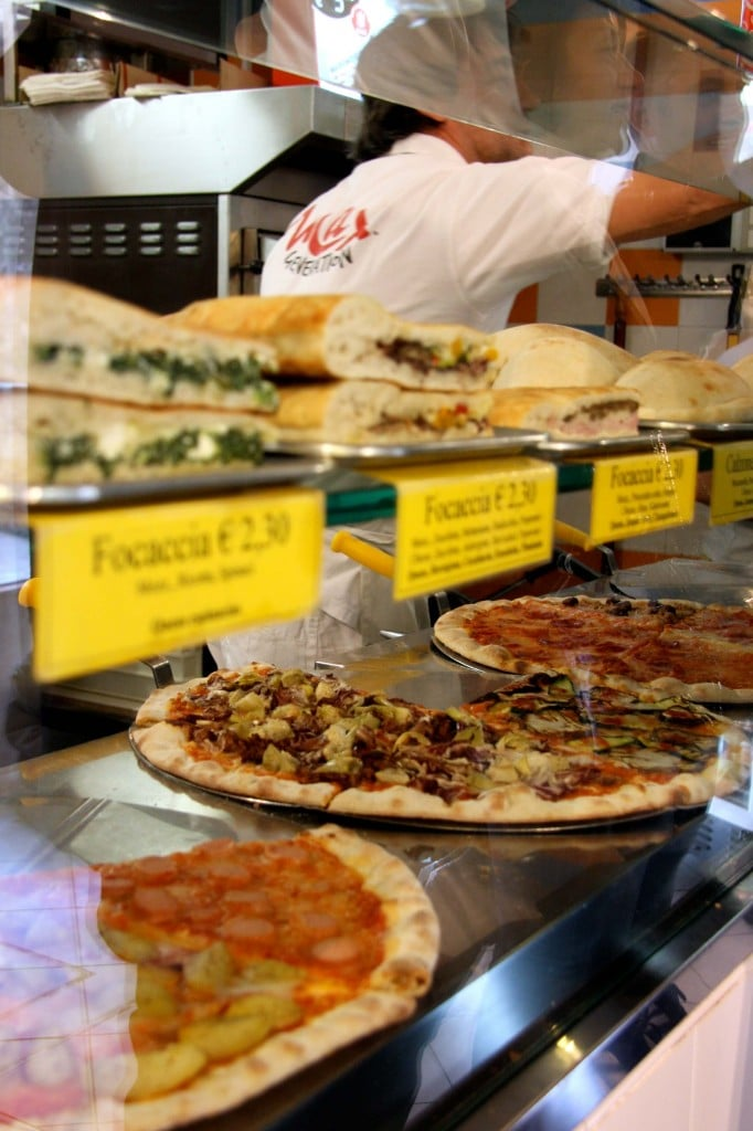 Venice-travel-with-kids-pizza