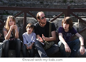 travel-naples-with-kids-COUV2