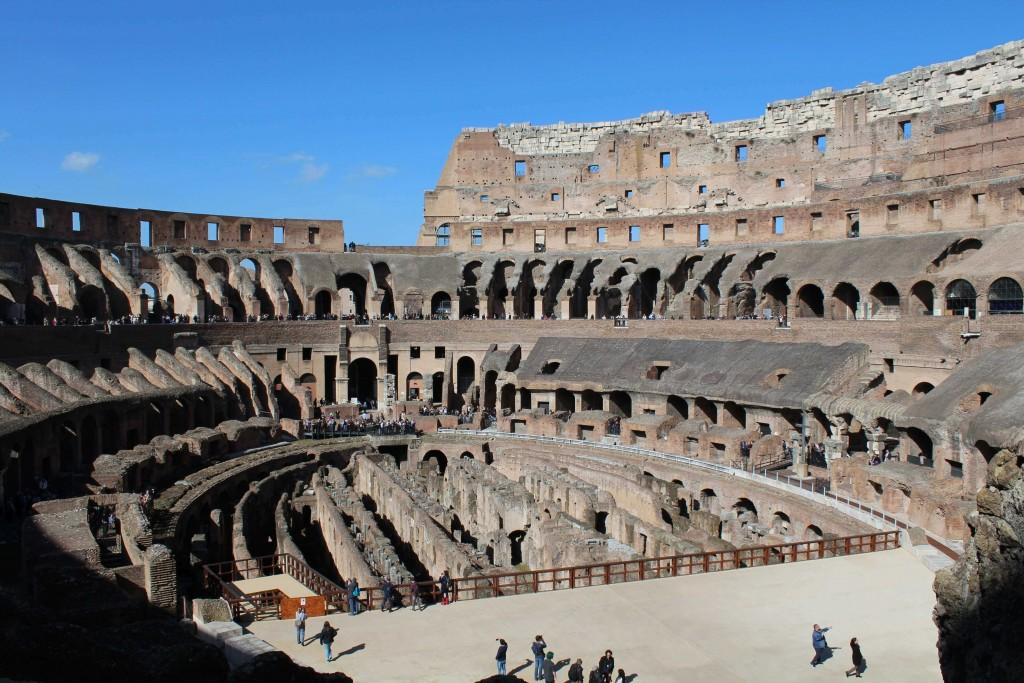 rome-family-travel-visit-colosseum-