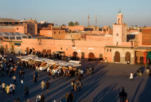 marrakech-with-kids-djemaa-el-fna-square
