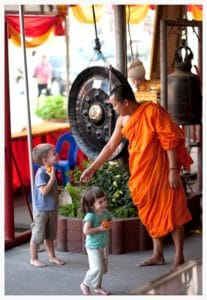 best-places-new-years-with-kids-chiang-mai-temple