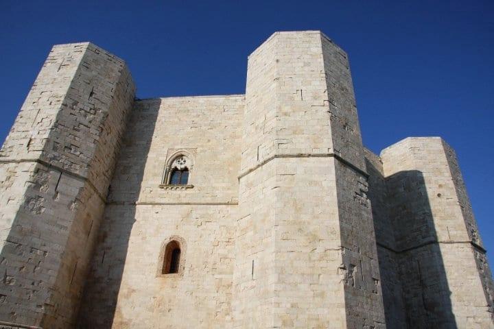 puglia-italy-castle-castel-del-monte-andria